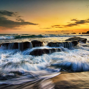 High Rollers by Hendri Suhandi - Landscapes Waterscapes ( bali, splash, waves, beach, motion, mengening )