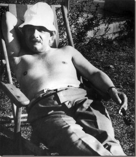 Albert-Einstein-in-Palm-Spring-1932