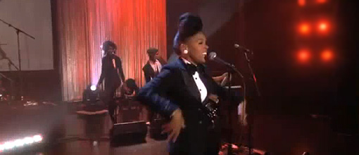 Janelle slays hoes on Ellen with 'Tightrope' | Live performance