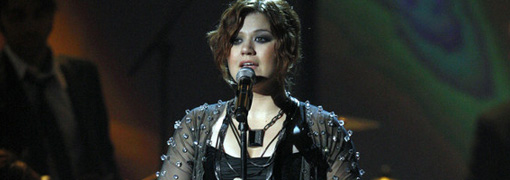 Kelly Clarkson's performance at the 2009 American music awards