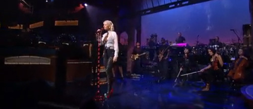 Christina Aguilera on Letterman | Live performance