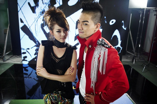 Dara & Taeyang on the music video set | Snapped
