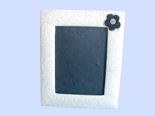 Photo frame with felt flower- large