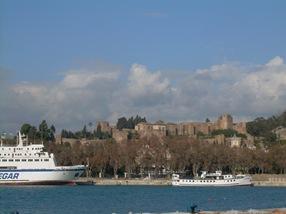 vista de la Alcazaba desde el puerto de Málaga