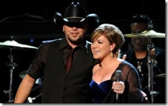 jason-aldean-and-kelly-clarkson