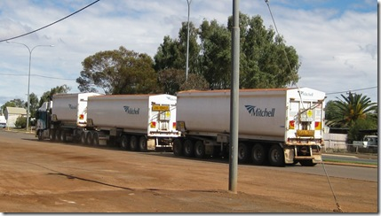 Road Train @ Mt Magnet