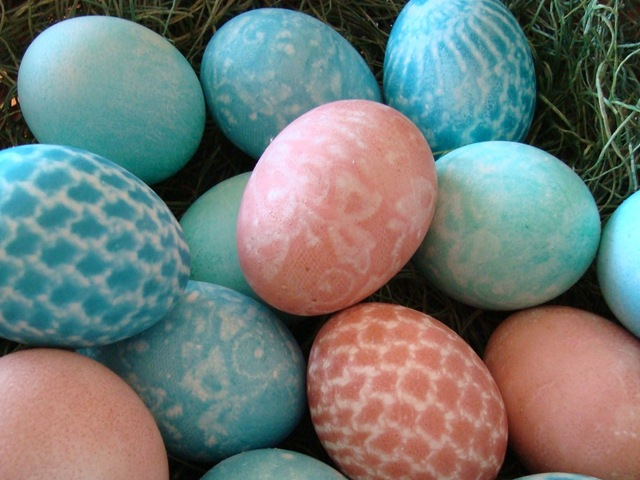 lace easter eggs 001