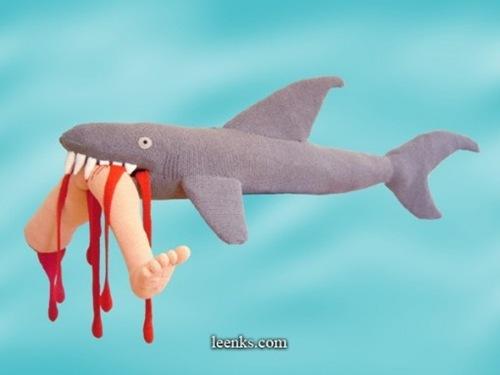 tiburon-devorando-persona