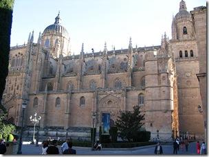 800px-Catedral_de_Salamanca_lateral