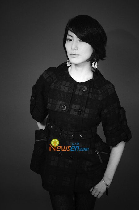 Kim Jung Hwa Cute short hairstyle 2009 - Asian Short Hairstyle Pictures 2009