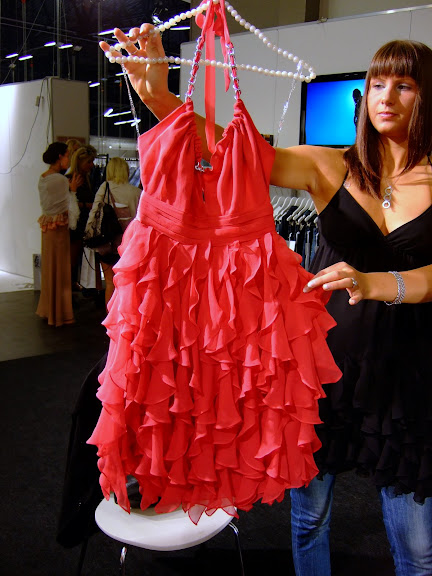Inköpsmöte hos Lipsy klänningen kommer in om ca en månad
