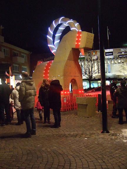 Julbocken kom till stan i år också....