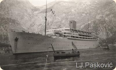 Brod ispred Mula