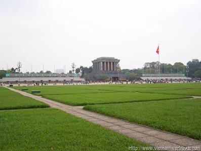 Hanoi Ho Chi Minh Mausoleum (2)