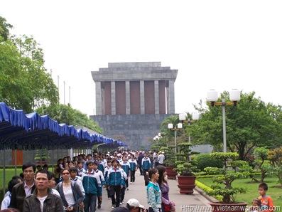 Hanoi Ho Chi Minh Mausoleum (4)
