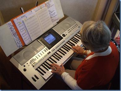Marlene Forrest playing Alan Wilkin's Yamaha PSR-900