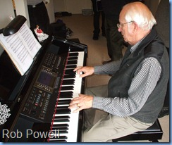 Our host, Rob Powell, right at home on his superb CVP-210