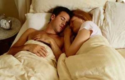 homem_mulher_durmindo