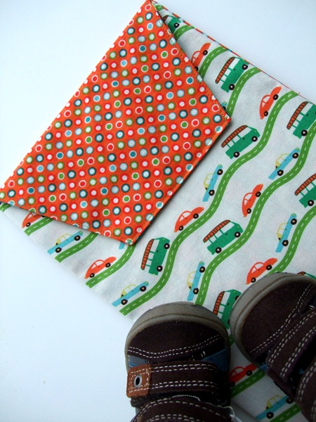 Diaper Clutch Pattern + Tutorial {a lemon squeezy home}