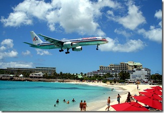 800px-American_757_on_final_approach_at_St_Maarten_Airport