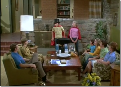 brady-bunch-living-room