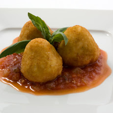 Cheese-Filled Risotto Croquettes with Tomato Sauce