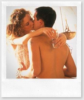 casal beijando-se