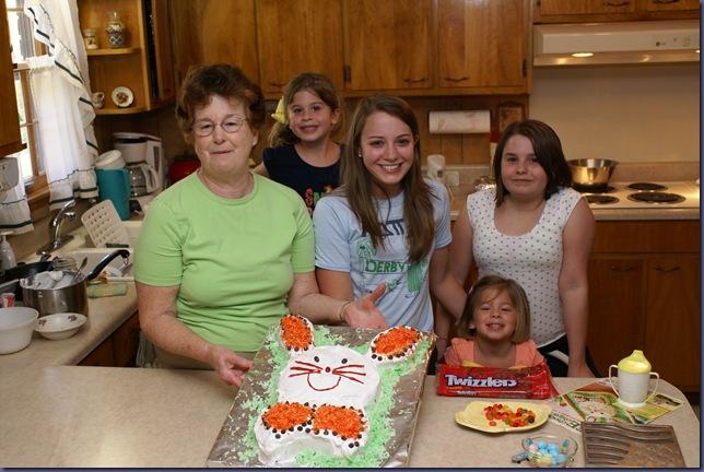2010-4-2 Bunny Cake 082