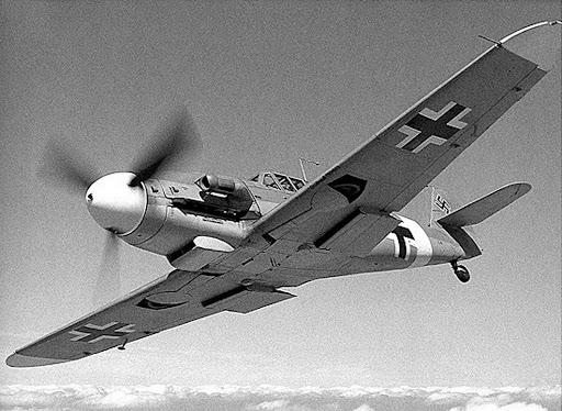 http://lh4.ggpht.com/_RS3z7Z1g5ao/SB8_L7I9aTI/AAAAAAAADww/QrwH8WqIMyM/Messerschmitt_Bf_109_3.jpg