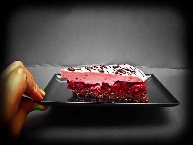 Mini Kühlschrank Für Kuchen : Schoko kirsch joghurt torte aus dem kühlschrank ohne backen