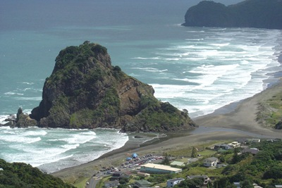 Piha_and_Lion_Rock