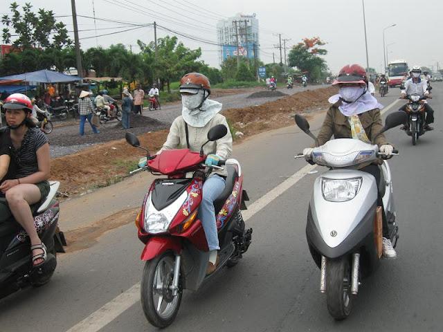 Chú Bùi Quang Thọ và Bé Trâm  IMG_1295