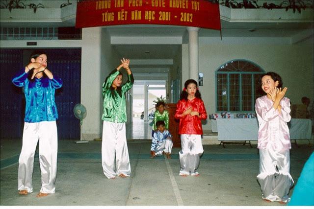 Chương trình vui trung thu của nhóm Tình thương Nha Trang Hung-225_001