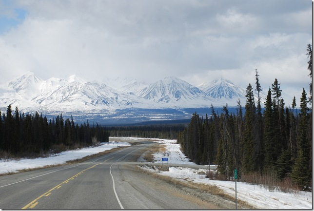 04-24-09  B Alaskan Highway - Yukon 075