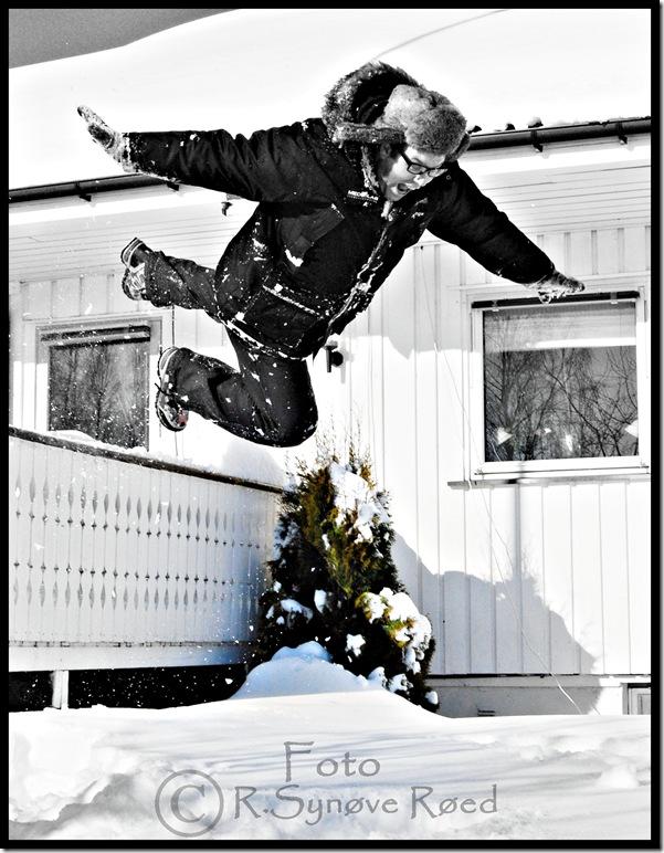 KJell hopper 2 svart hvitt