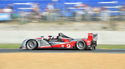 Победитель Ле-Мана 2010 Audi R15 TDI