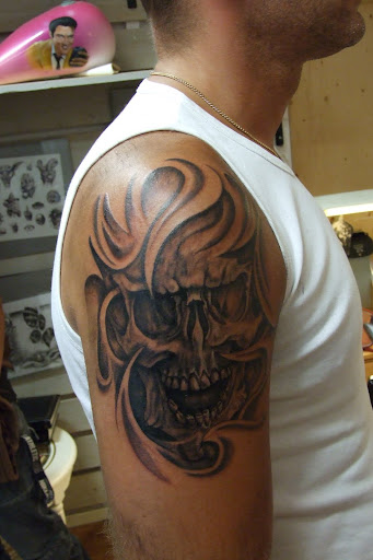 best pictures of Skull Tattoos-30