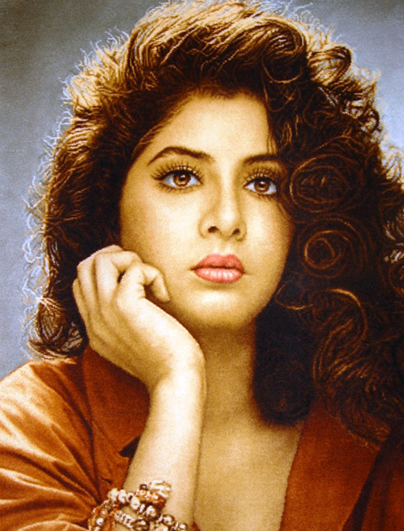 Indian Film Actress Divya Bharti Born Om Prakash Was A Popular In The Early 1990s Already Shining Star