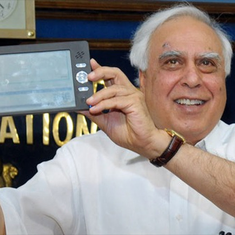 India unveils $30 tablet PC