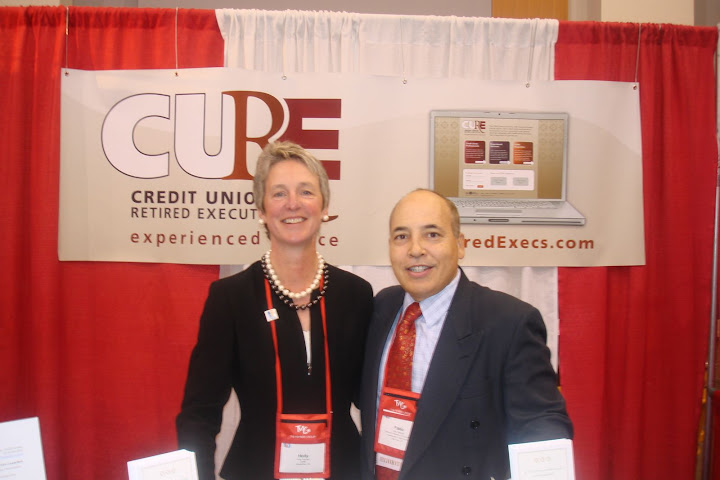 Credit Union Info, Inc. Executive Director Holly Hermn with Federation Director of Membership Development Pablo DeFilippi during the 2009 GAC Conference in Washington, D.C.