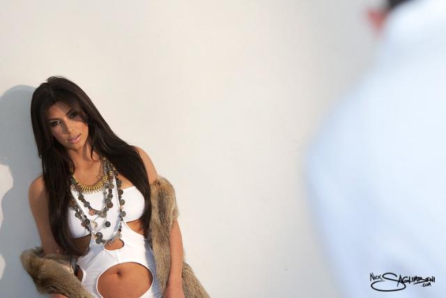 gallery_enlarged-kim-kardashian-fur-wall-slickforce.jpg