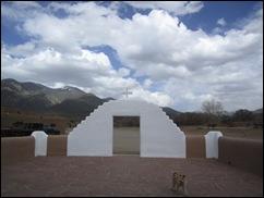 TaosPuebloPooch2