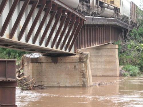 very_dangerous_bridge_640_03