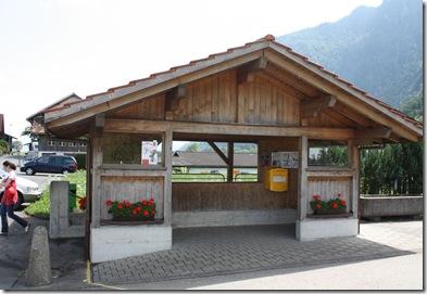 day 5 bus stop in Niederstocken