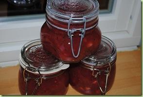 3 glas krusbärschutney
