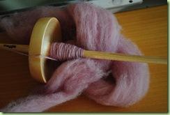 fläderbärfärgat garn