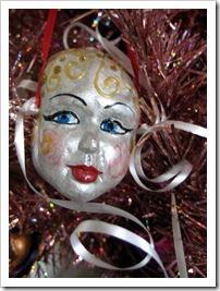 Flirt Mask ornament
