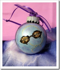 Glam Sunglasses & Pearls Glass Ornament