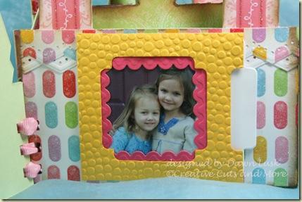 Leah-Inside-Photo-Pocket