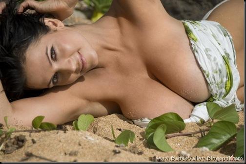 Denise_Milani_Nude_8